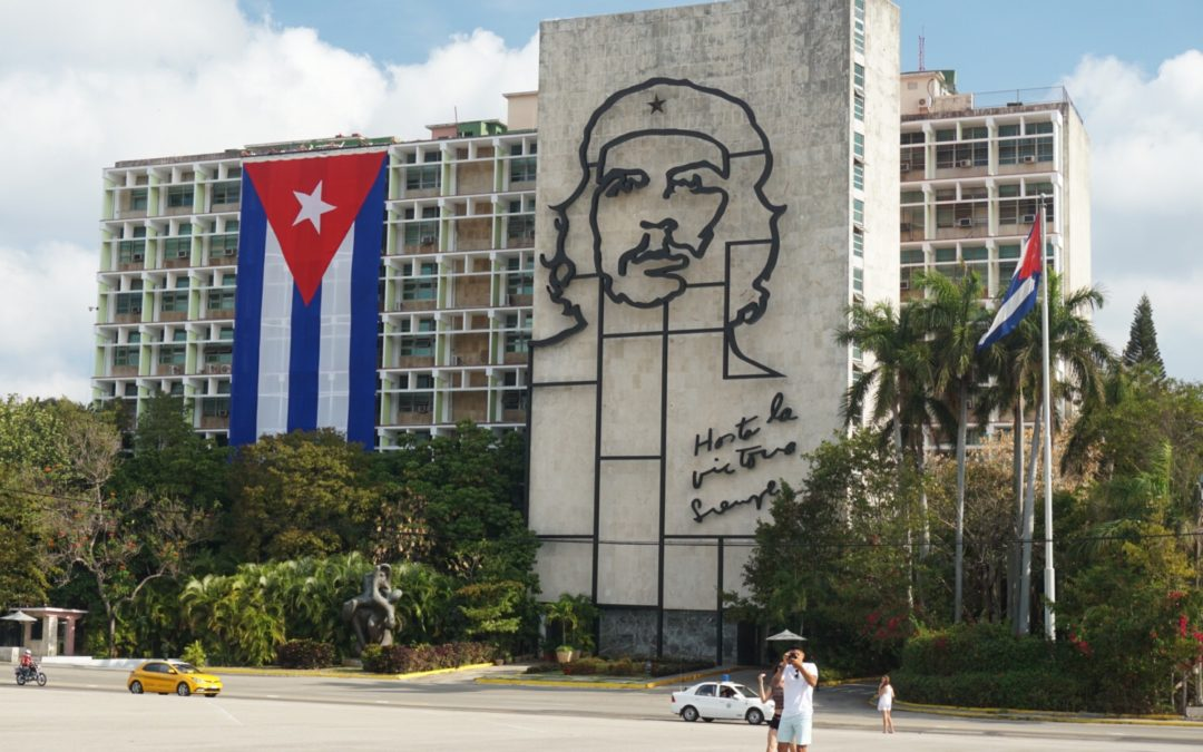Che Guevara looks down on Plaza de la Revolución in Havana, Cuba